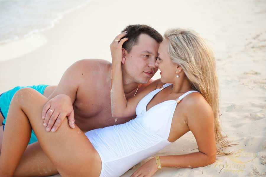 beach honeymoon photography
