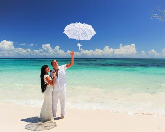 Honeymoon photosession for Viktoria and Denis. Riviera Maya.