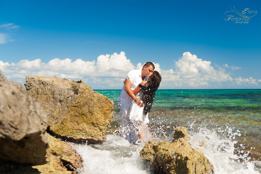 honeymoon beach photo session riviera maya mexico