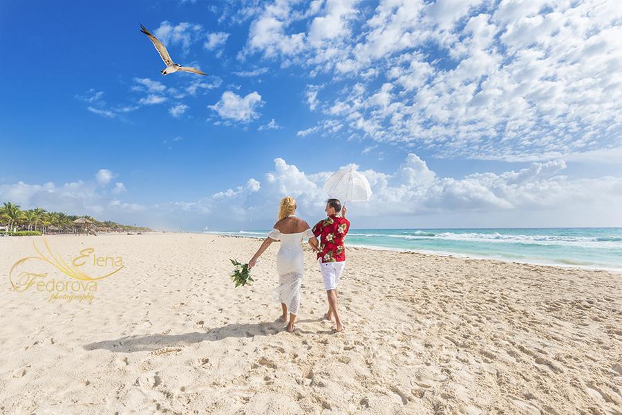 honeymoon photos beach