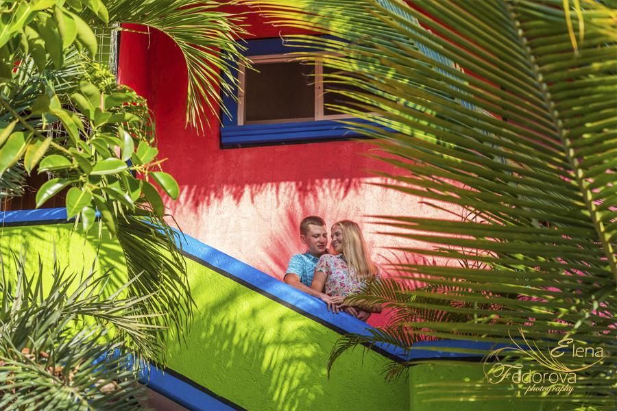 photo honeymoon colonial buldings