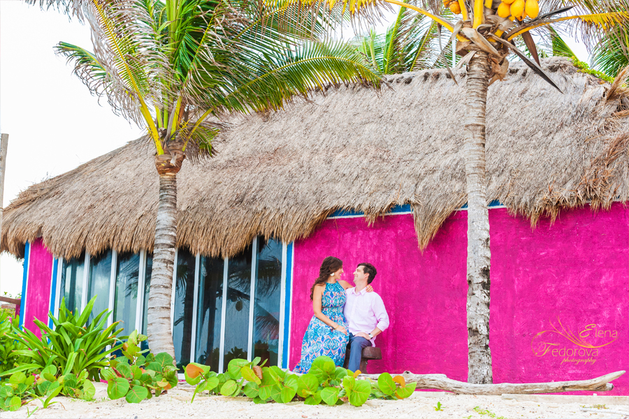 photos couple infront of colorful wall