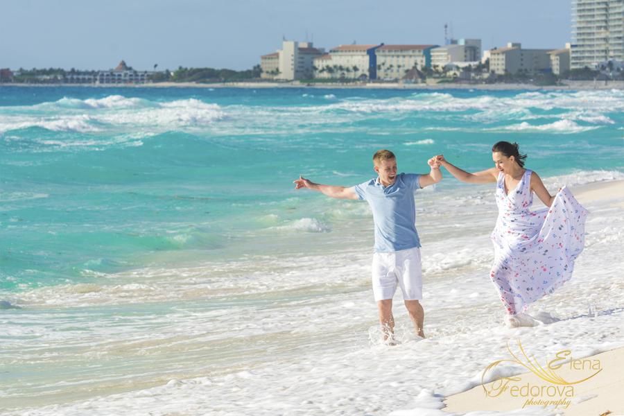 waves sea dancing couple