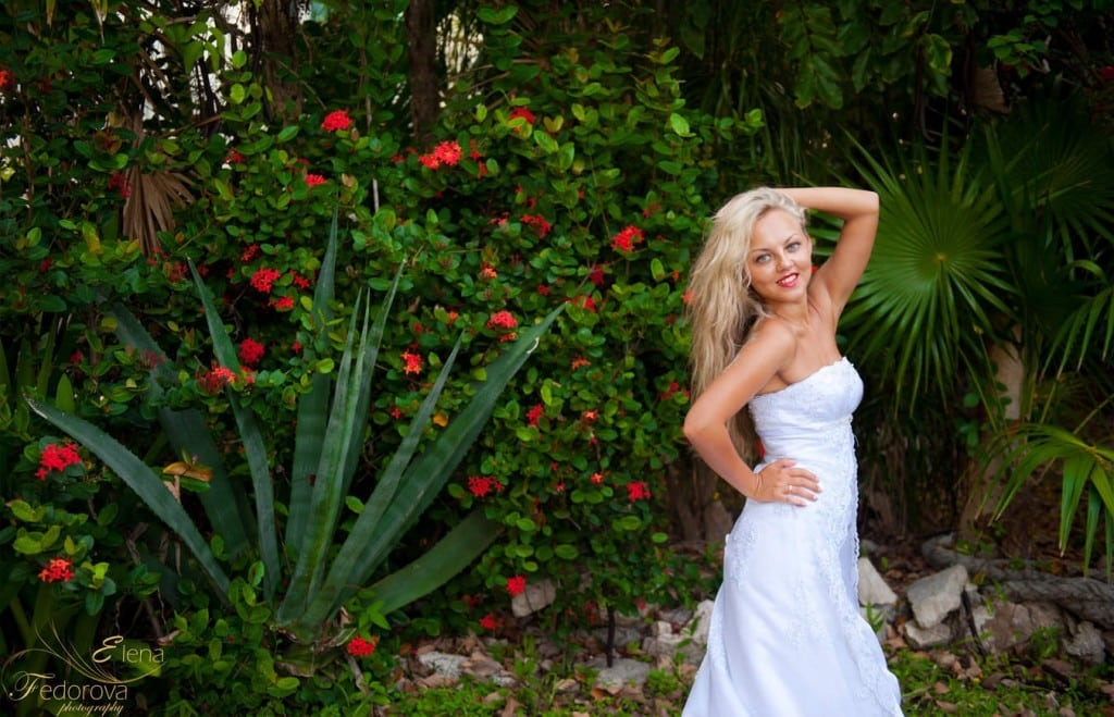 bridal portrait in playa del carmen