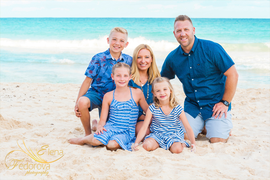 cancun beach family photos