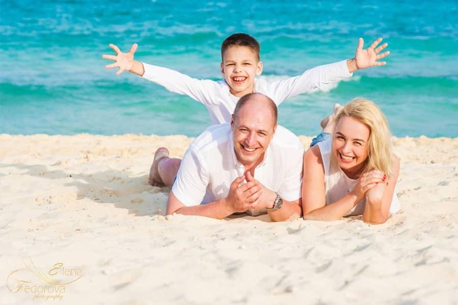 cancun family beach photography