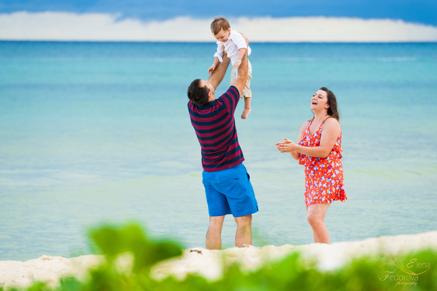 cancun family photo session beach