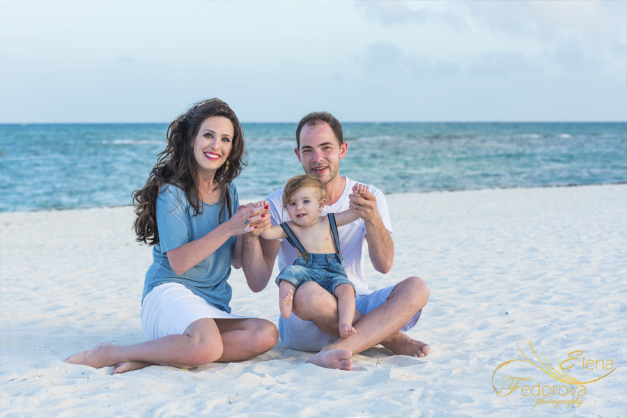 cancun family photos beach style