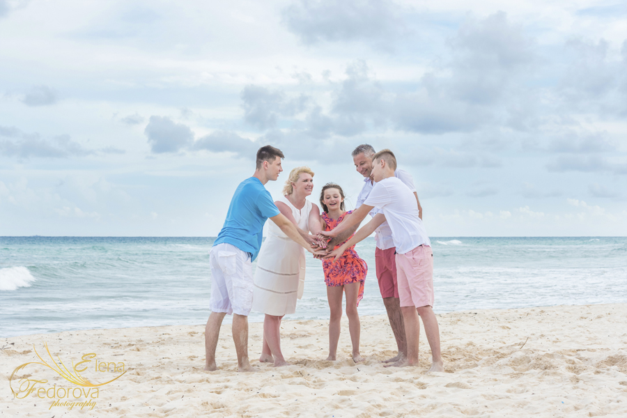 family photo sessions cancun mexico