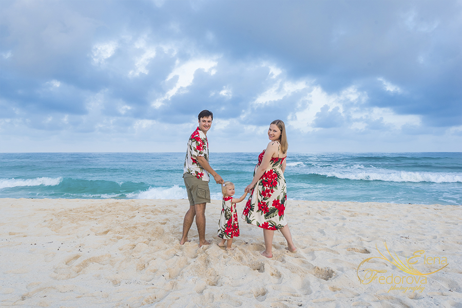 family sunset photography session cancun beach