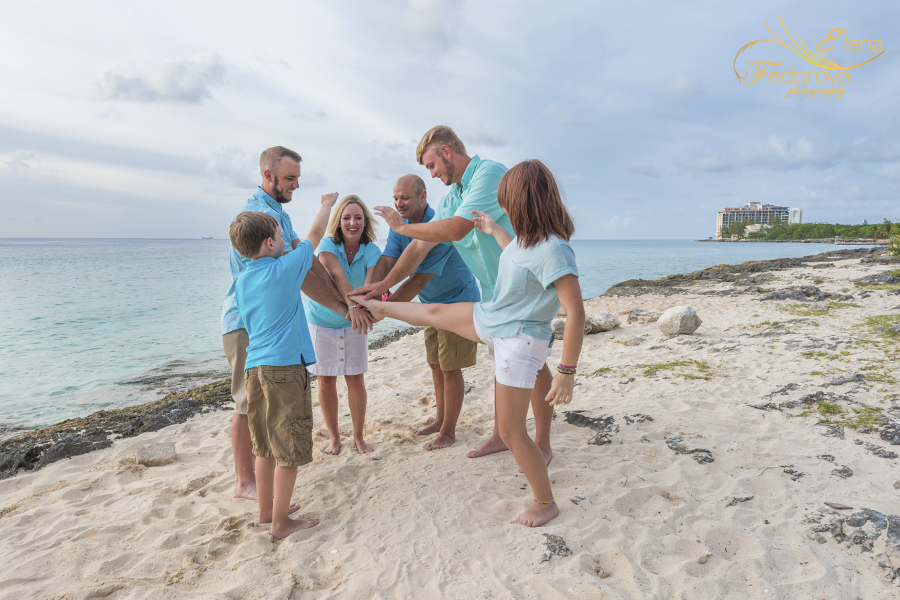 memorable family photos cancun