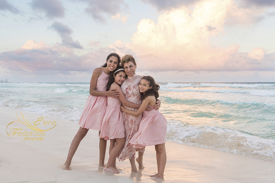 sunset family photo session cancun