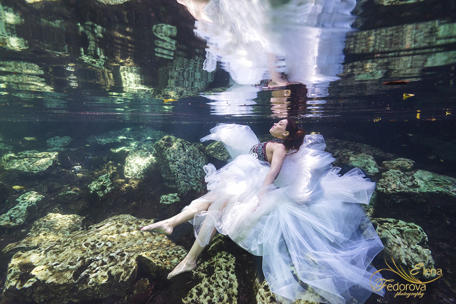 fashion underwater photoshoot cancun