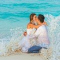 Trash the dress photography in Cancun.