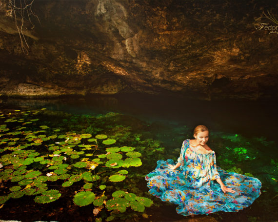 Beautiful cenote photography.