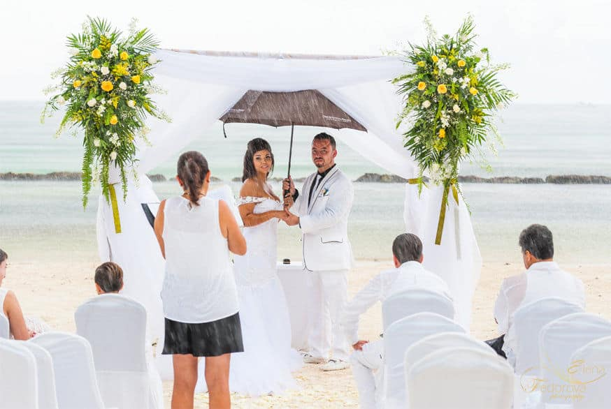 wedding under the rain riviera maya