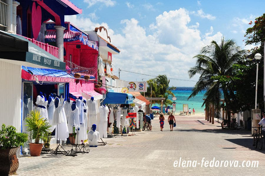 street in playa del carmen mexico