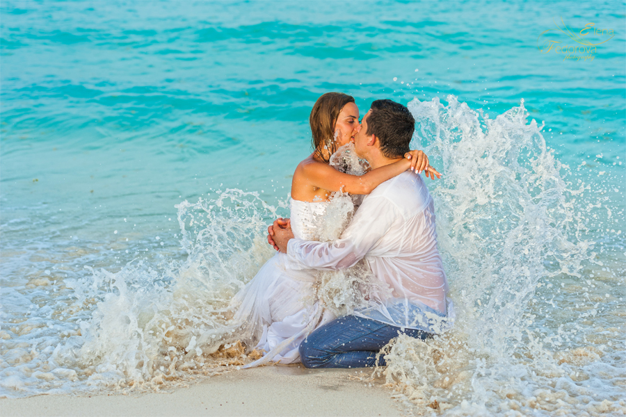 Enjoy the moment! Trash the dress photo session