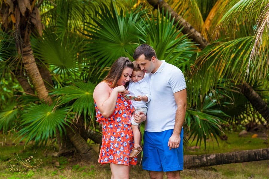 family photo shoot in playa del carmen
