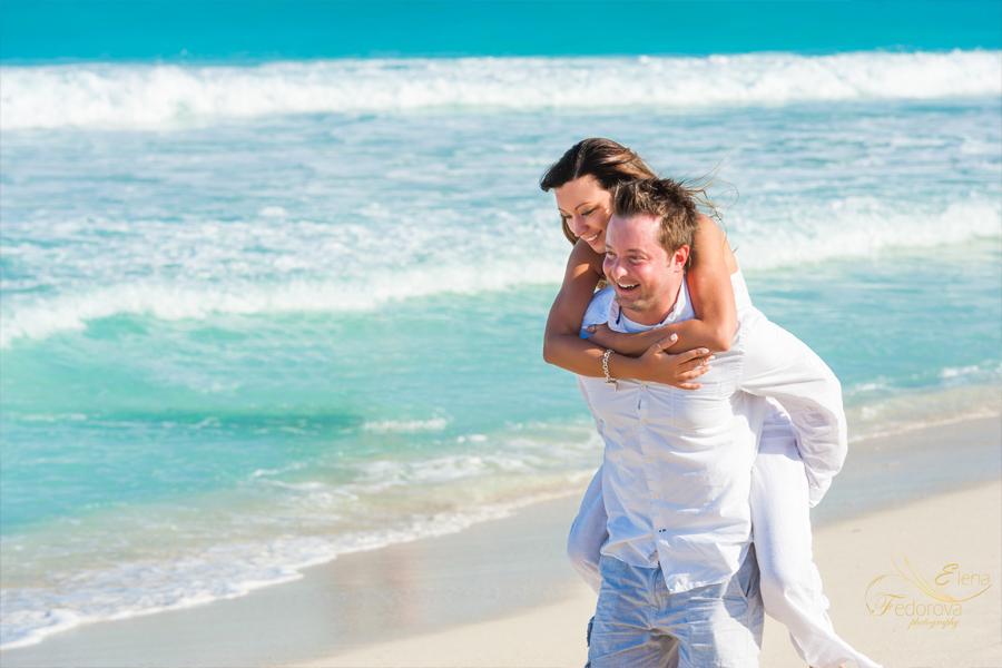 fun couple photos from cancun