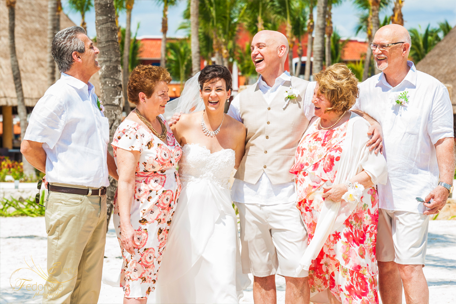 family photo wedding barcelo