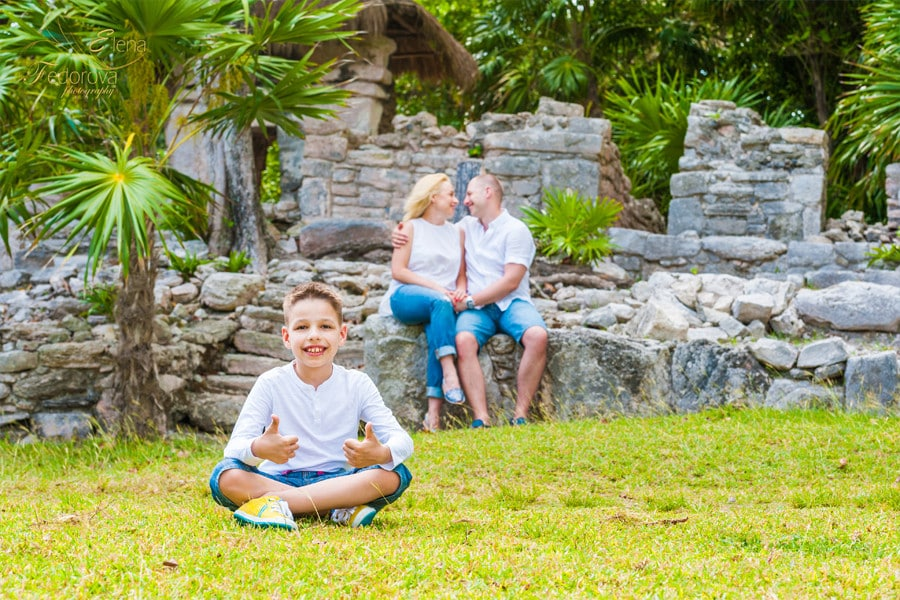 family photography in riviera maya mexico