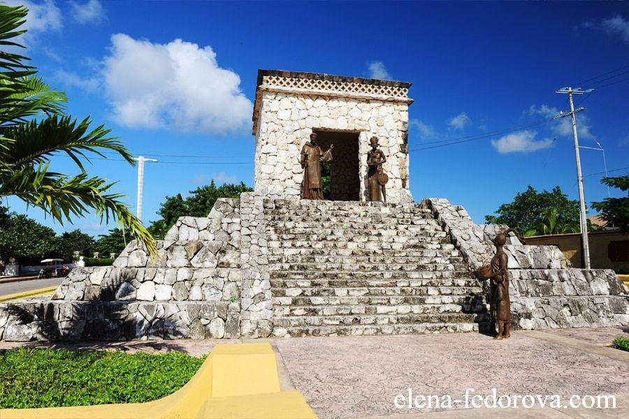 pyramids cozumel island