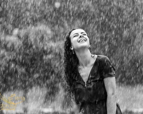 Smile and laugh. Photo shoot under the rain.