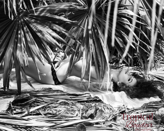 Discover the world of Tropical boudoir photography