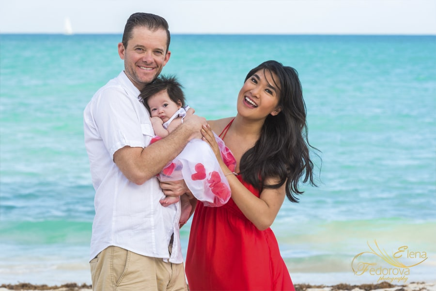 family beach photo shoot mayakoba