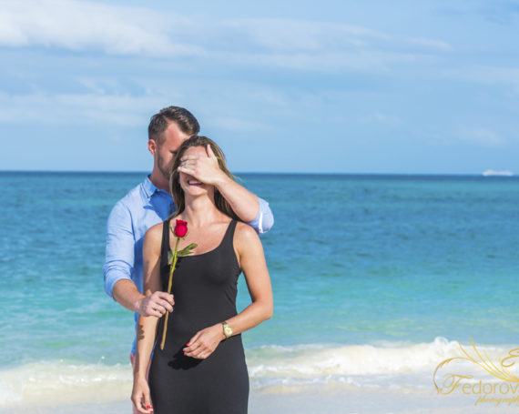 Cancun engagement photographer.