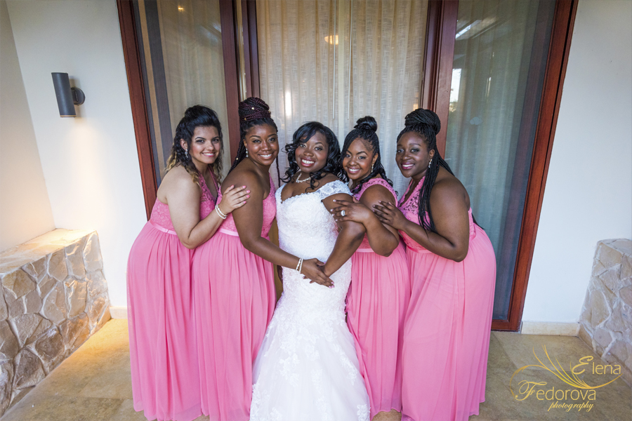 bride and bridesmaids secrets playa mujeres
