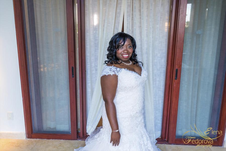 bride at secrets playa mujeres