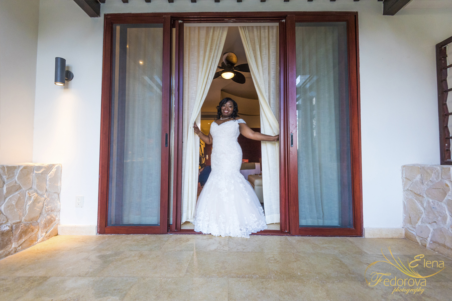 bride at secrets playa mujeres