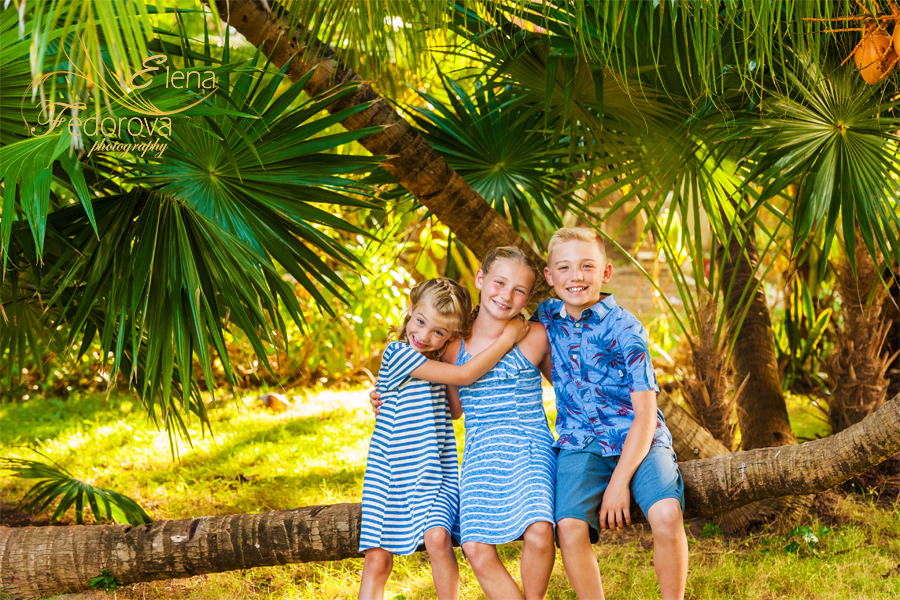 family photographer in playa del carmen mexico