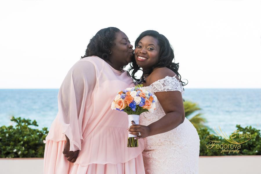 secrets playa mujeres wedding portrait