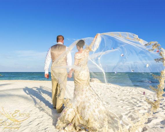 Wedding at Secrets Silversands resort Riviera Maya.