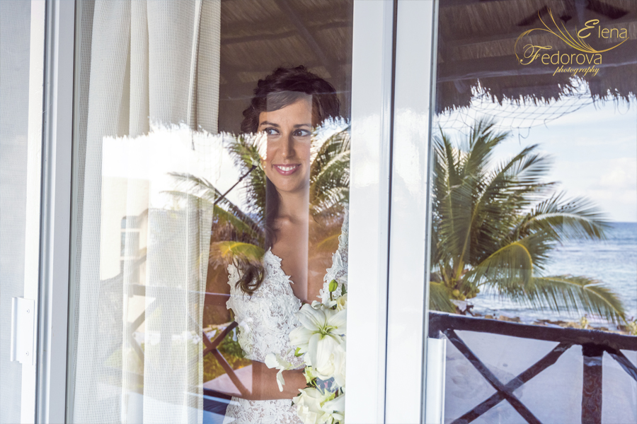 bride portrait in in riviera maya