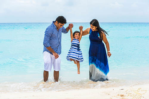 Cancun family photographer.