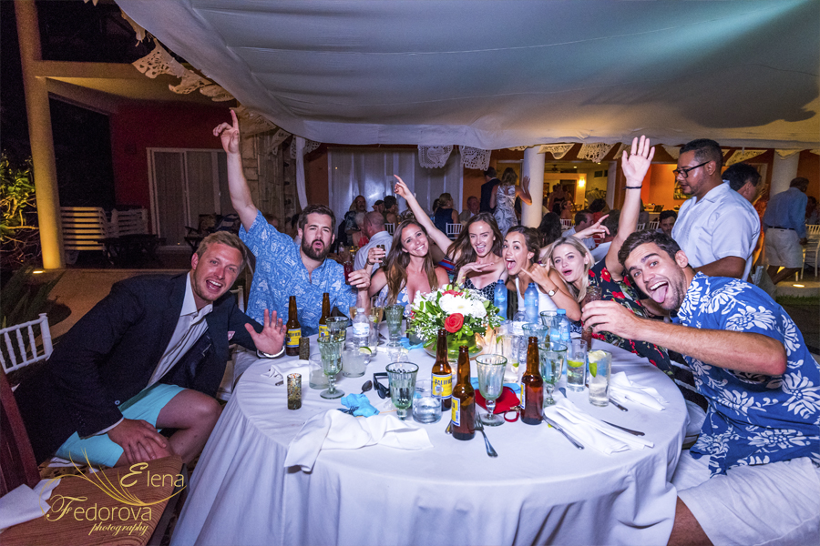 guests fun wedding in riviera maya