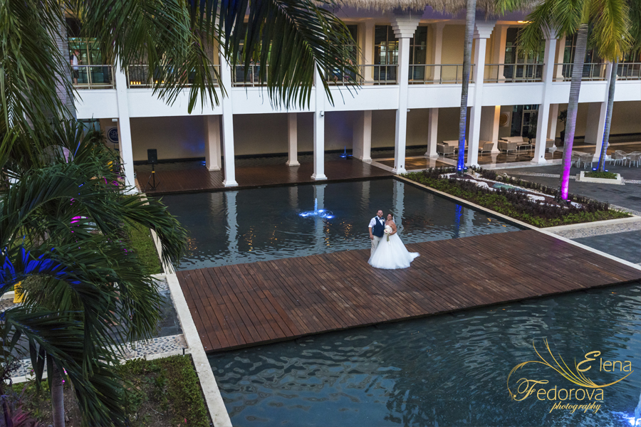 grand riviera princess wedding couple