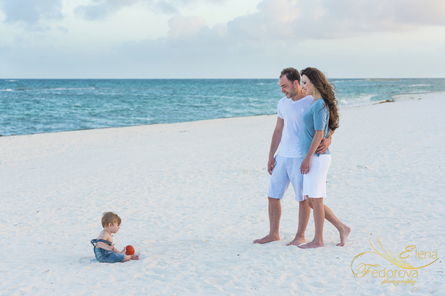banyan tree mayakoba beach family photo