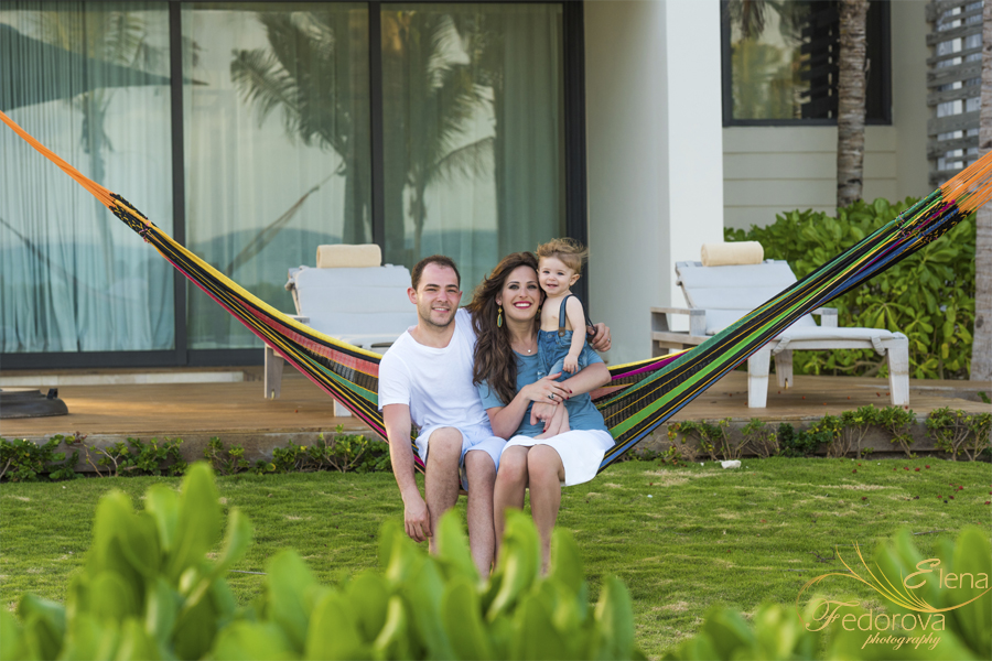 banyan tree mayakoba family photo session
