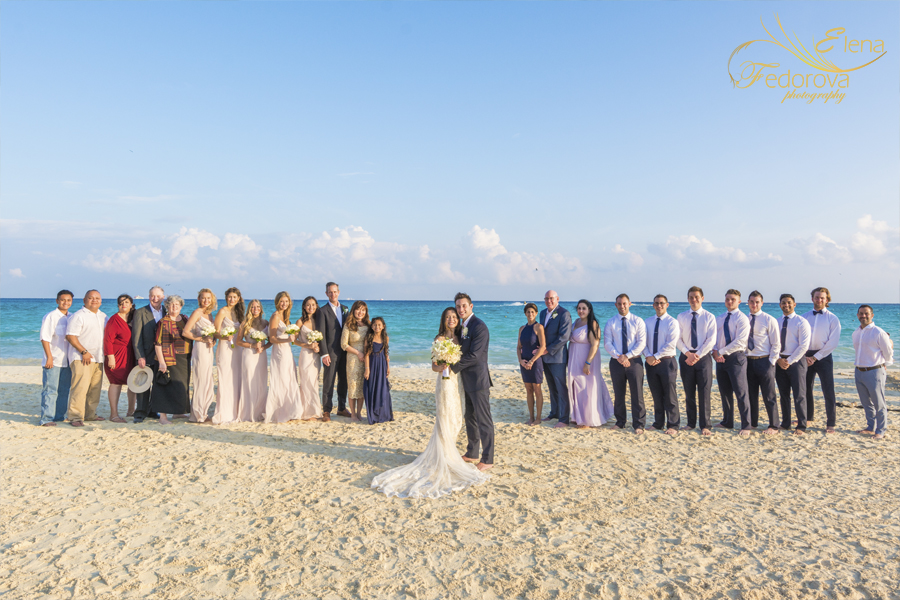 riu palace riviera maya group wedding photo