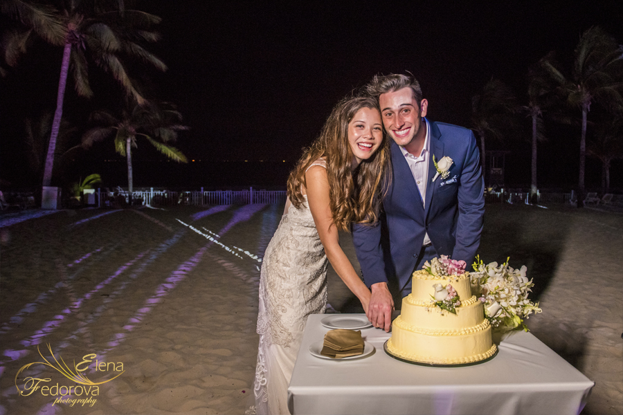 riu palace riviera maya wedding cake