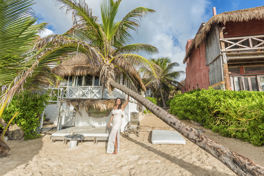 lifestyle photographer beach tulum
