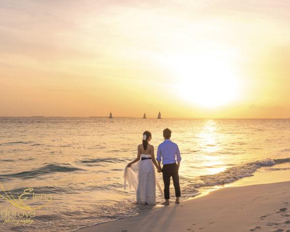 Honeymoon vacation. Isla Mujeres photo session.