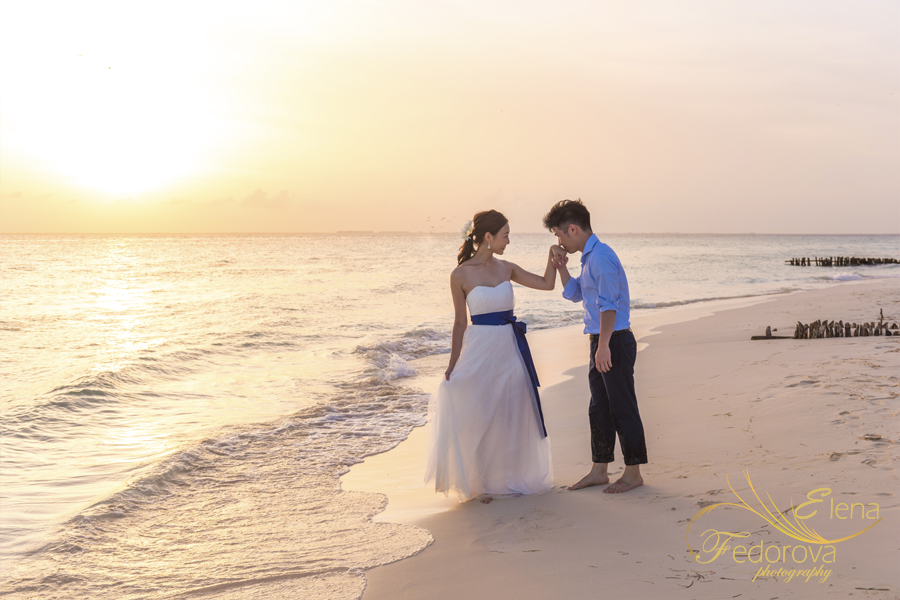 bride groom sunset photos