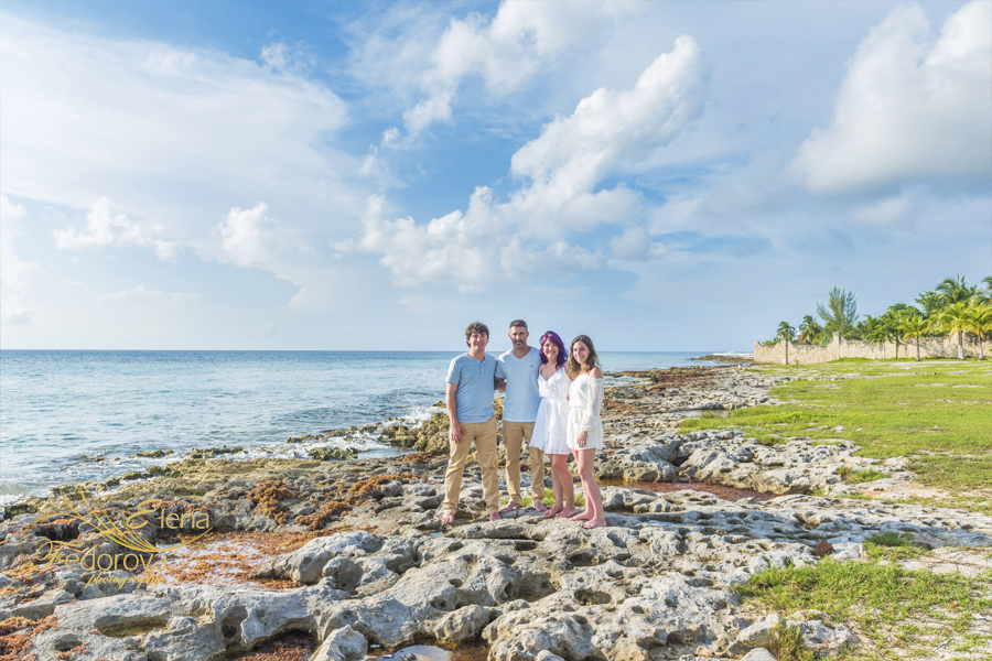family photo shoot Mexico Cozumel