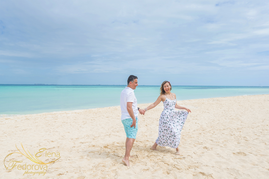 isla mujeres engagement photography